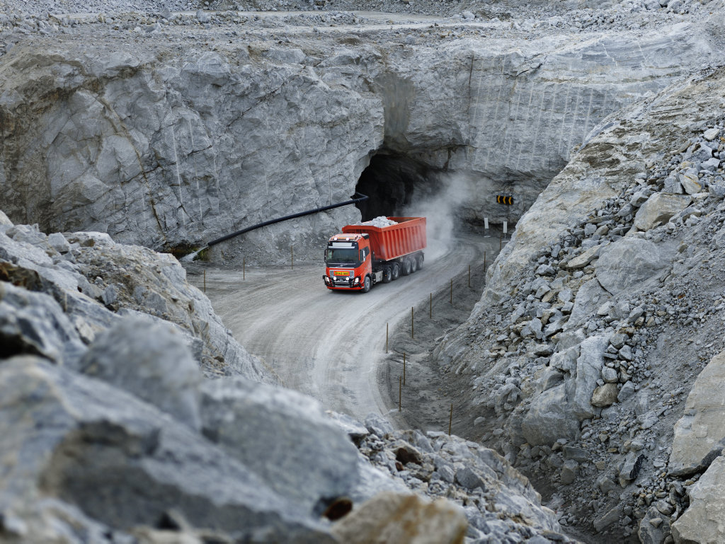 Volvo Trucks signed with Br nn y Kalk AS in Norway to provide its first commercial autonomous solution transporting limestone from an open pit mine to a nearby port. autonomous trucks generic