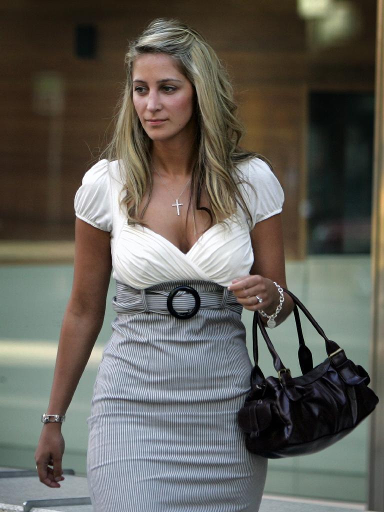 Renata Laureano outside court, February 2007.