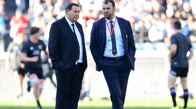 New Zealand coach Steve Hansen and Australia rival Michael Cheika chew the fat.