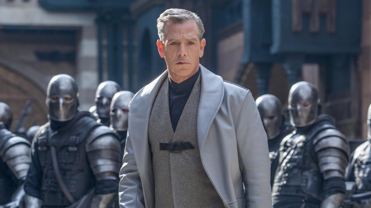 Ben 'Mendo' Mendelsohn in a scene from Robin Hood (2018). A StudioCanal Films release.