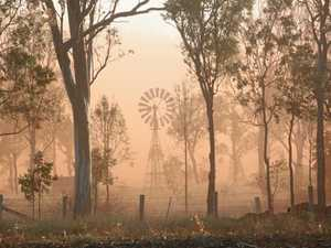 Dust storm 'the size of Tassy' expected to cover NSW