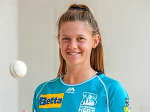 Teenager signs with Brisbane Heat for WBBL