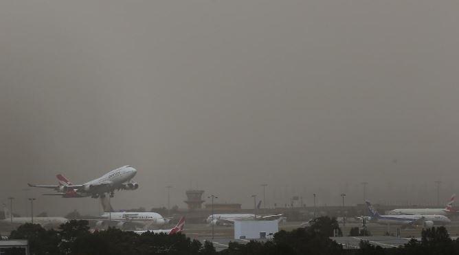 Dust storm wreaks havoc on flights | Queensland Times