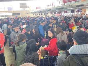 Airport 'chaos' as wild wind delays flights