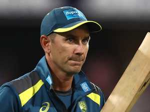 Langer hits back at South Africa skipper