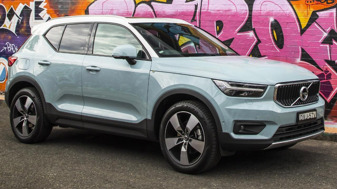 Volvo's little SUV looks to take over where the stellar XC60 left off.