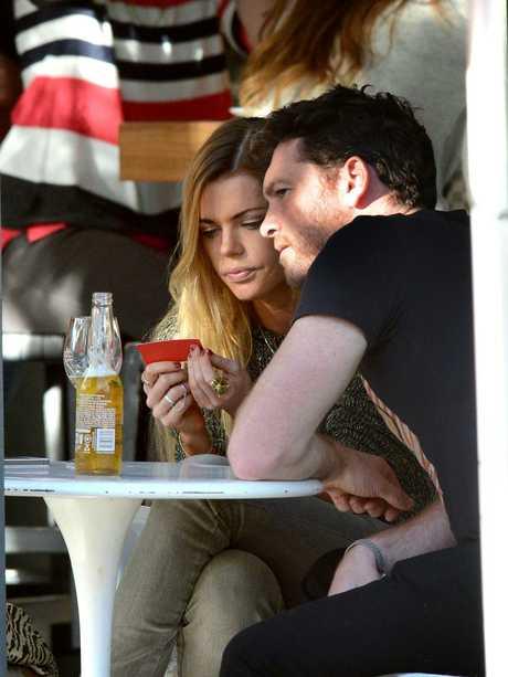 She also dated Australian actor Sam Worthington.