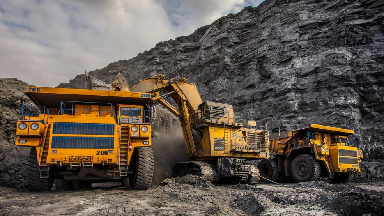 The new mine promises to create 4000 jobs during construction.