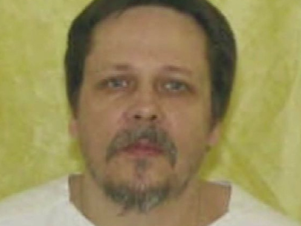Three decades after Dennis McGuire murdered pregnant newlywed Joy Stewart, he swelled up in the execution chamber after being injected with lethal drugs.