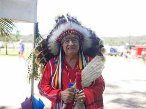 Native American chief draws 1000-strong crowd