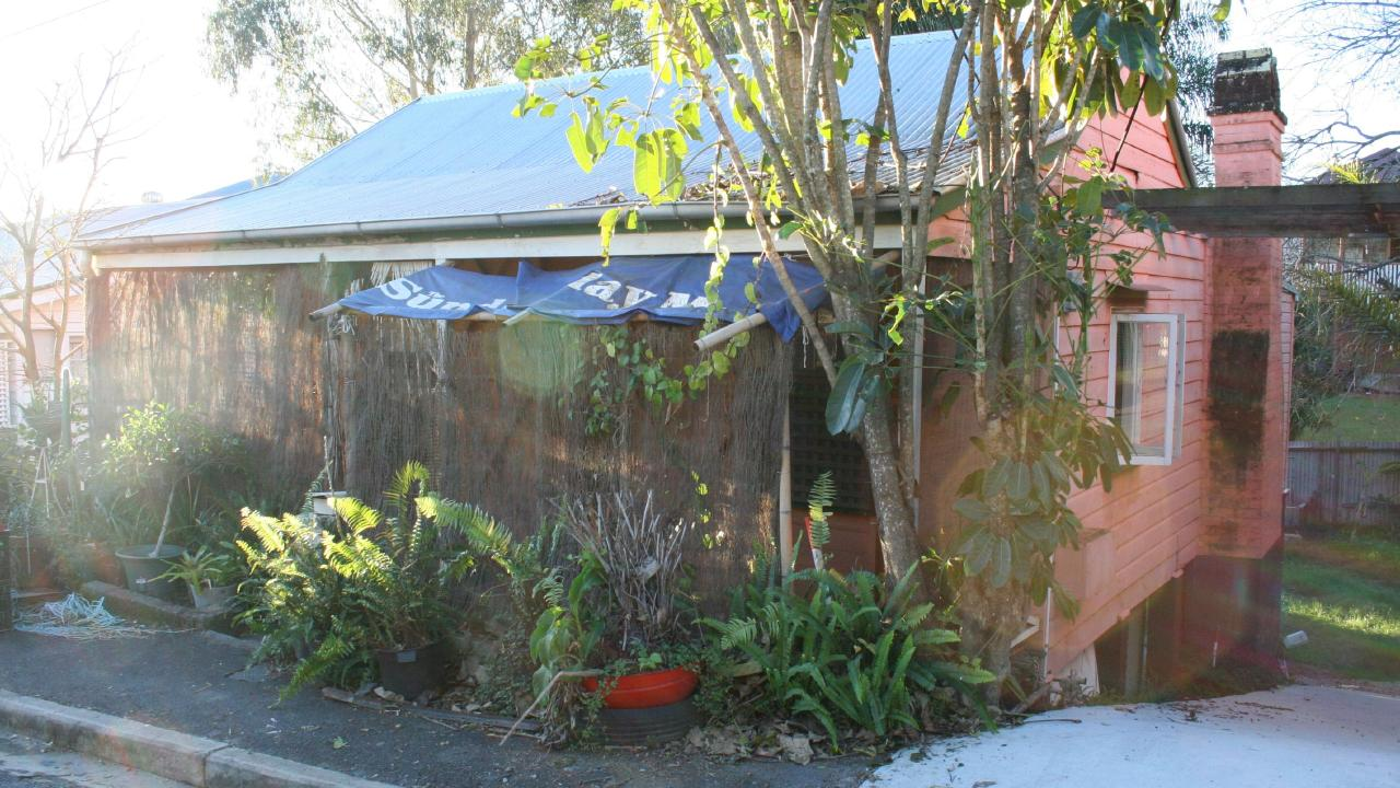 The house at 17 Hove St, Highgate Hill, before the renovation.