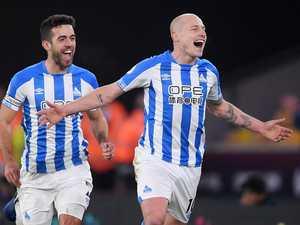 'Top class' Mooy stuns Premier League