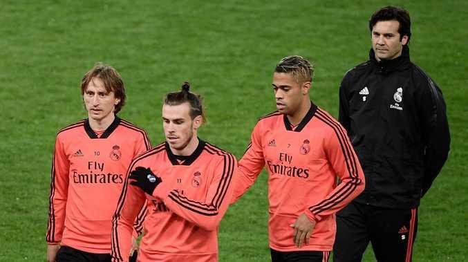 Real Madrid's Luka Modric,Gareth Bale,  Mariano and coach Santiago Solari attend a training session