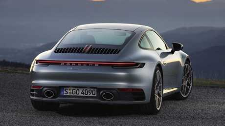 The 911 keeps its iconic shape. (overseas model shown)