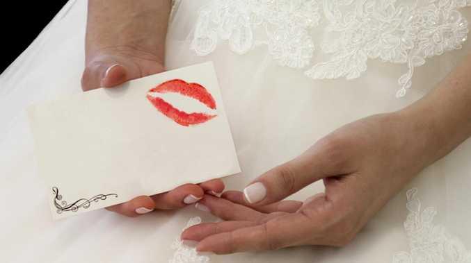 Bride's brutal note to sister.