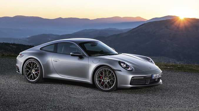 2018 Porsche 911 Overseas Model Shown