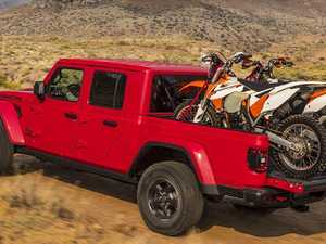 Jeep reveals the Gladiator which morphs into a dual-cab ute