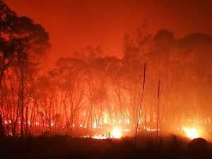 Cops drag hundreds out of bed to flee fires