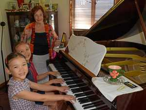 Maryborough's sister pianists accepted into Queensland Conservatorium