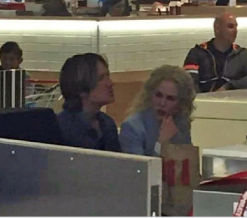Superstar couple Nicole Kidman and Keith Urban were spotted eating KFC in Chatswood. Picture: Facebook / Mosman Living