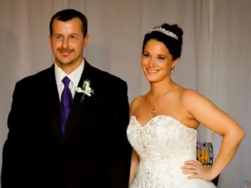 Chris Watts and Shanann Watts on their wedding day.