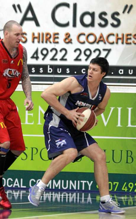 Tony Campbell playing for the Rockhampton Rockets in 2011.