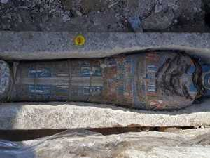 Eight mummies found in Egyptian pyramid