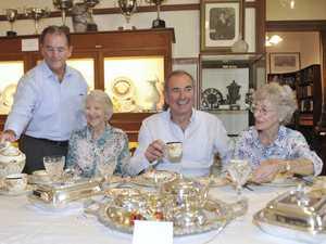 Mayor Jim Simmons, Ruth Hayward, Chris Gulaptis and