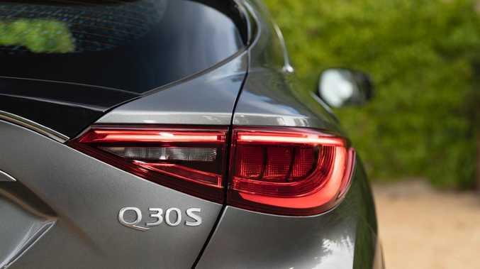 Infiniti Q30.