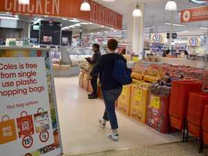 Supermarkets urged to ban reusable plastic bags