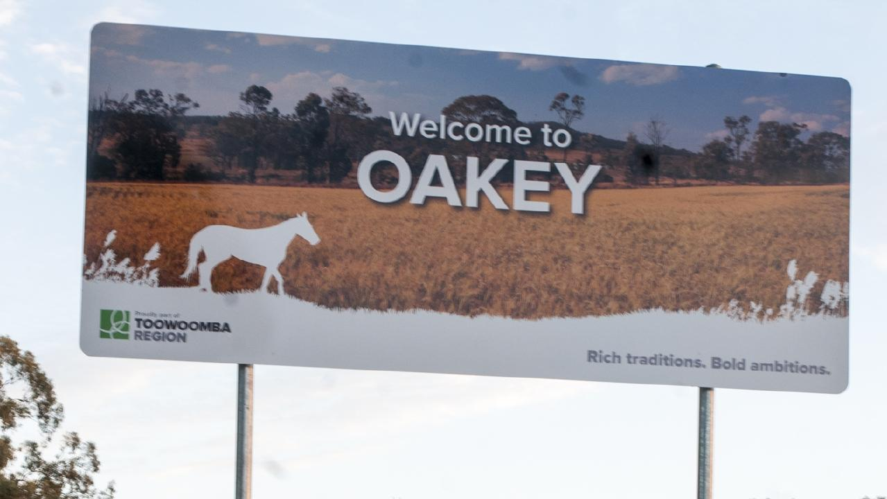 Welcome to Oakey sign.