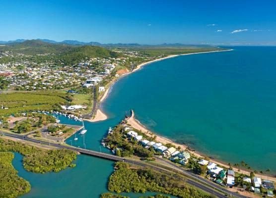 The coastal town of Yeppoon.