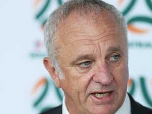 Arnold announces 'positions vacant' for Socceroos