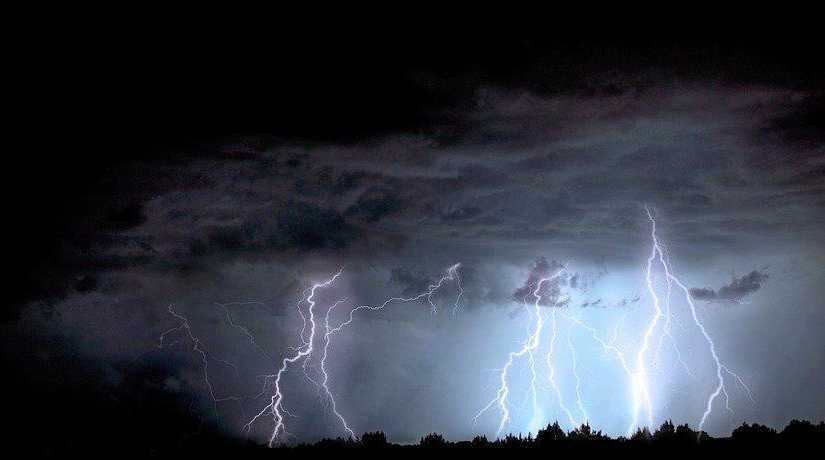 A young girl was struck by lightning in Netherdale in the Pioneer Valley