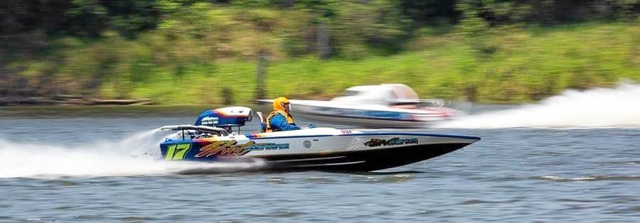 Brad Nelson racing Shutdown in in board A class at the Bundaberg powerboat club Christmas meeting last weekend.