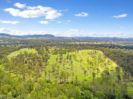 415 Groundwater Rd, Jones Hill is up for auction. It's 47 acres (19.3 ha).