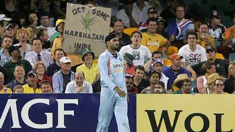 The Gabba fans show their appreciation for Harbhajan Singh.