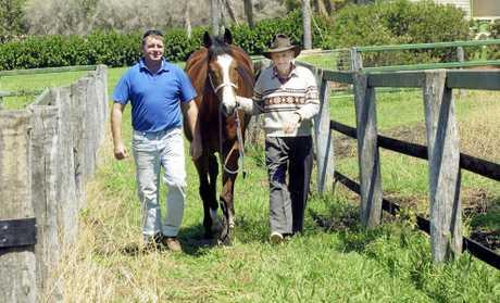Vince Nugent lending son Wayne a hand in 2006.