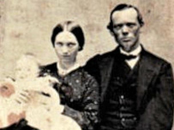 Solomon and Elizabeth Bradford and their daughter Margaret in this very early photograph which may have been taken before they arrived in Australia.