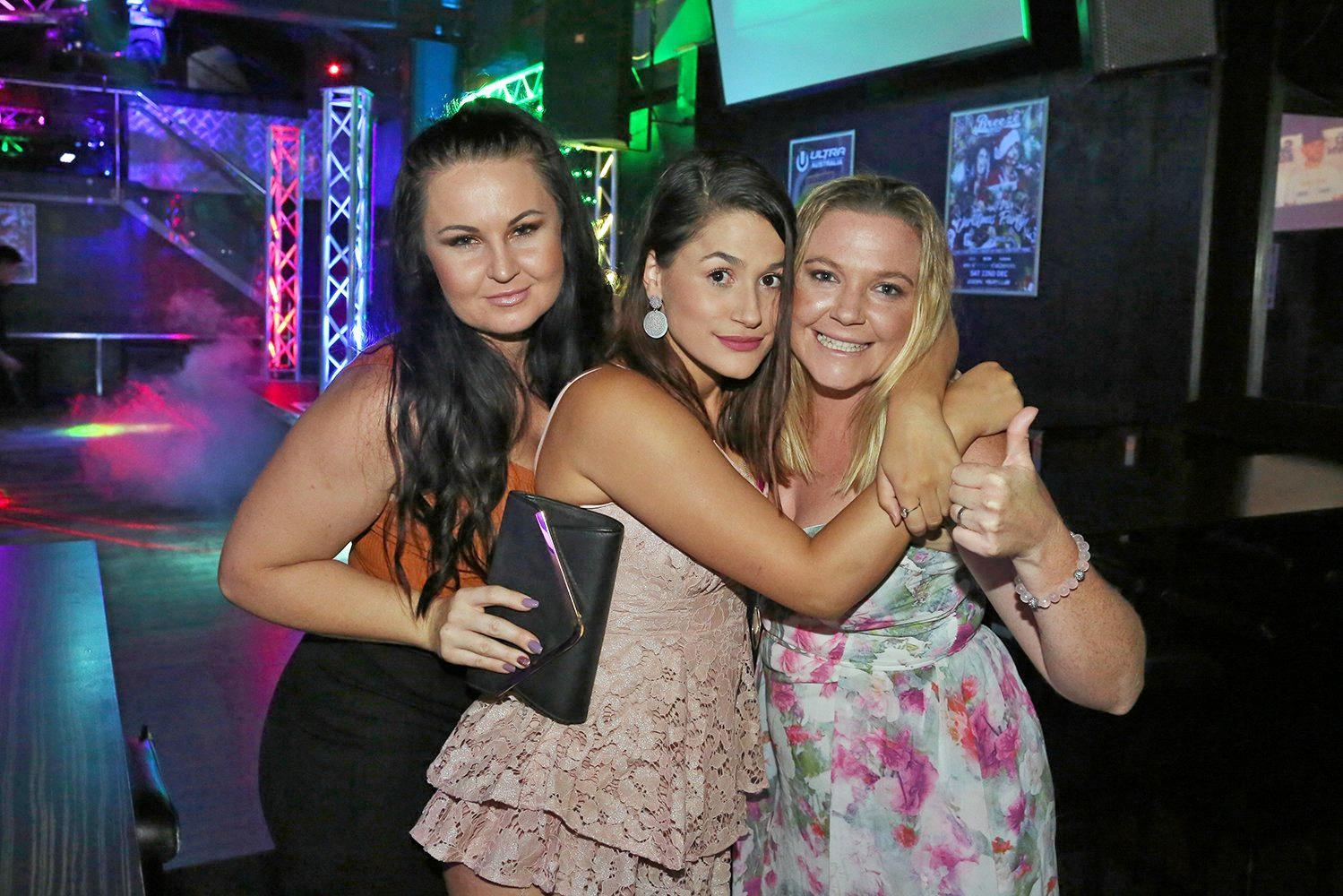 L-R Brenna Willmott, Jessica Hughes and Khala Smithson at Zodiac Nightclub.