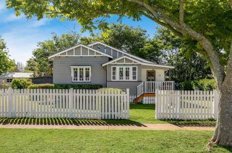 17 Bothwell St, Newtown, is for sale.