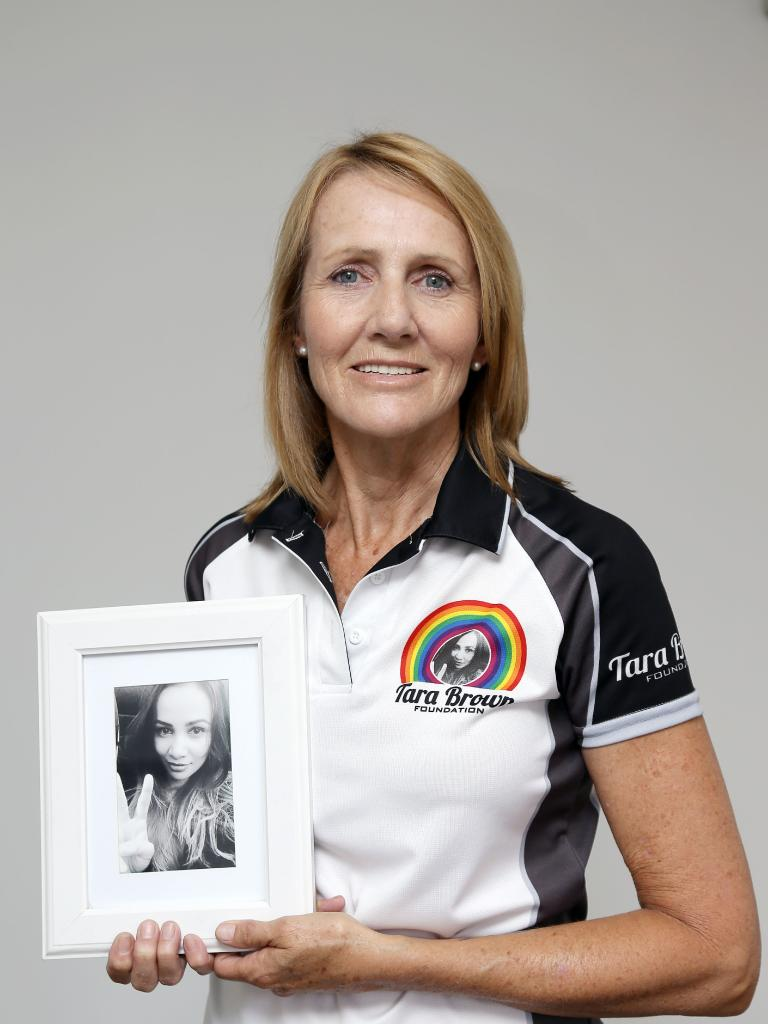 Natalie Hinton with a photograph of her daughter, Tara Brown. Photo: Tertius Pickard.