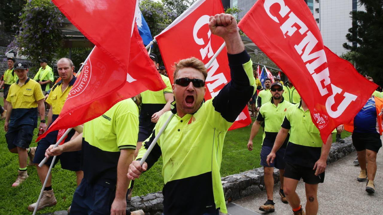 Cops will blanket Queensland worksites to repel militant unionists.