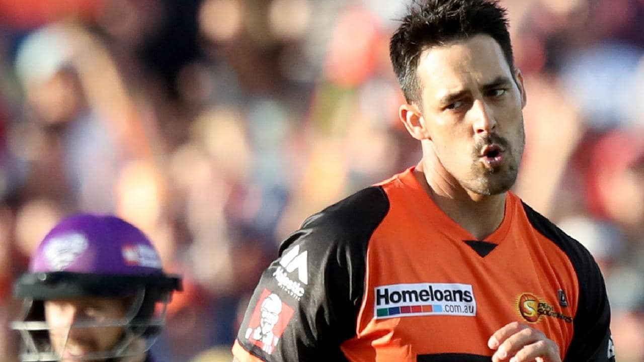 Mitchell Johnson is no fan of the bat toss idea. (AAP Image/Richard Wainwright)