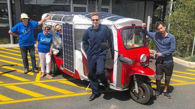 Solar tuk tuk tour de Byron Shire