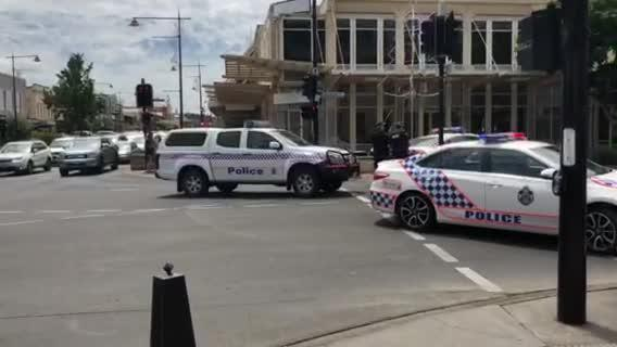 Man arrested, bomb hoax shuts parts of Toowoomba CBD
