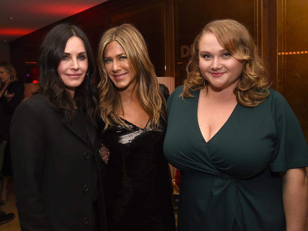 Jennifer Aniston is currently starring in Dumplin alongside Aussie Danielle MacDonald. She was supported at the film's premiere byu BFF Courteney Cox. Picture: Getty Images