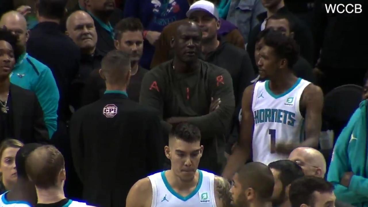Michael Jordan slaps Malik Monk