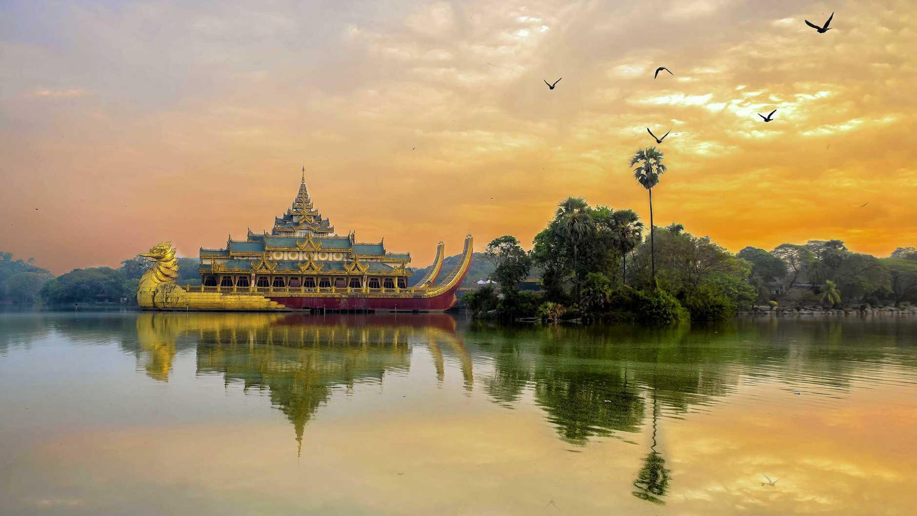 FOOD TRAVEL: Kandawgyi park, Myanmar
