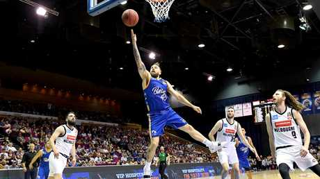 Jeremy Kendle cuts to the basket for an easy two against Melbourne. Picture: Getty